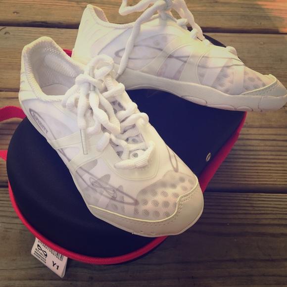 baa3f6e1cc Nfinity Vengeance Cheer Shoes (Youth) NWOT